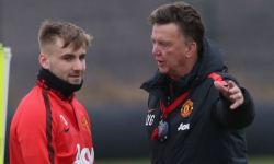 Luke Shaw: Louis van Gaal wants defender to miss...